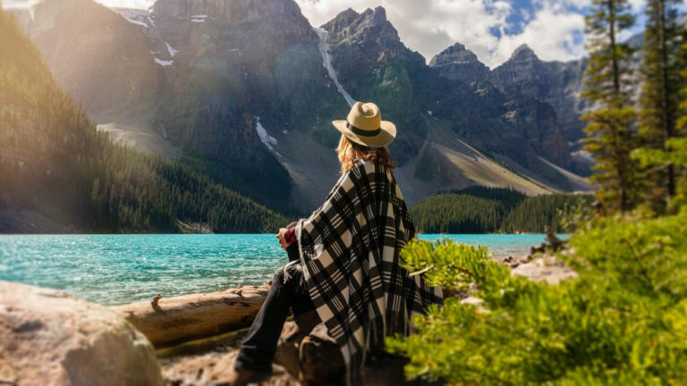 8 Tips To Master Travel Photography by GoSocial