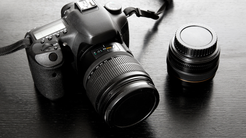 While planning portrait photograph, it is important to decide which camera or lens will you use.